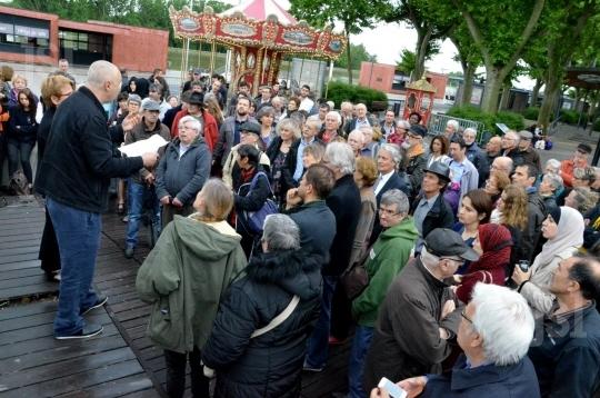 une-centaine-de-personnes-ont-participe-a-ce-rassemblement-photo-a-w (1)