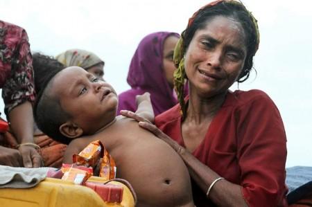 Myanmar-Muslims-Seek-Refuge-10-450x299